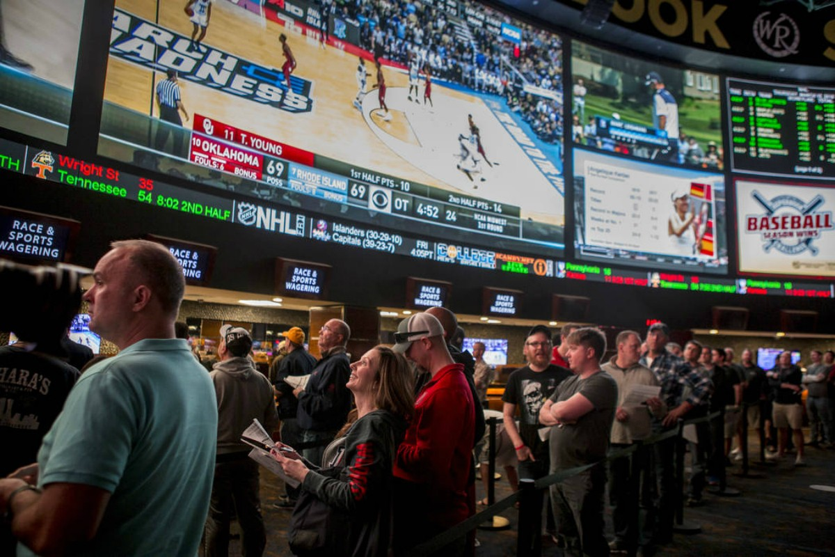 sports betting or poker88